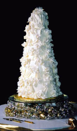 The Perfect Wedding Calls For A Dream Cake Beyond Imagination And If You Ve Wondered At An Amazing In National Bridal Magazine It Very Well May Have